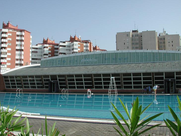 El pavimento de las piscinas de villafontana ser renovado for Piscina municipal mostoles